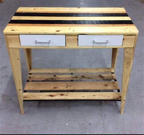 Side Table For Kitchen Diy Chic Pallet Kitchen Side Table 101 Pallets