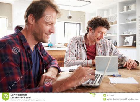 pc arbeit zu hause kleinbetriebpartner die zu hause computer verwenden