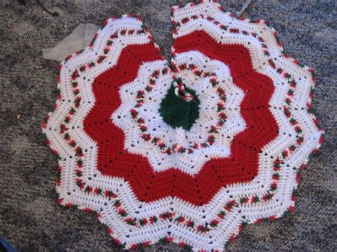 25 best ideas about crochet tree skirt on pinterest