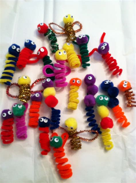 easy pipe cleaner crafts for pipe cleaner finger puppets easy frugal craft for
