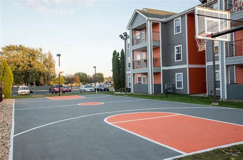 2 bedroom apartments in bowling green ohio the edge rentals bowling green oh apartments com