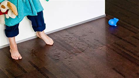 korkboden badezimmer den richtigen bodenbelag finden parkett laminat oder