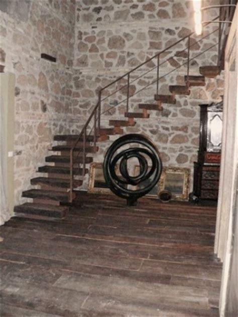 pavimento antico pavimento e scala legno antico recupero restauro baite