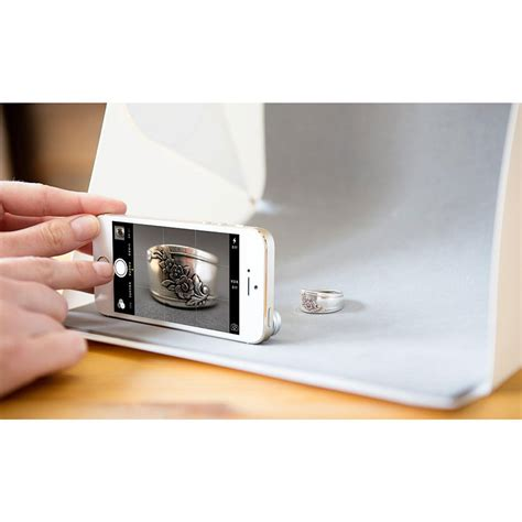 Photo Studio Mini Dengan Lu Led Size Medium Alas Foto Putih Polos photo studio mini magnetic dengan lu led size medium white jakartanotebook