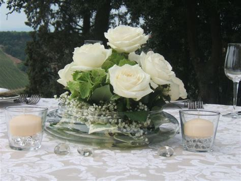 centrotavola matrimonio con candele e fiori 17 migliori idee su centrotavola con candele su