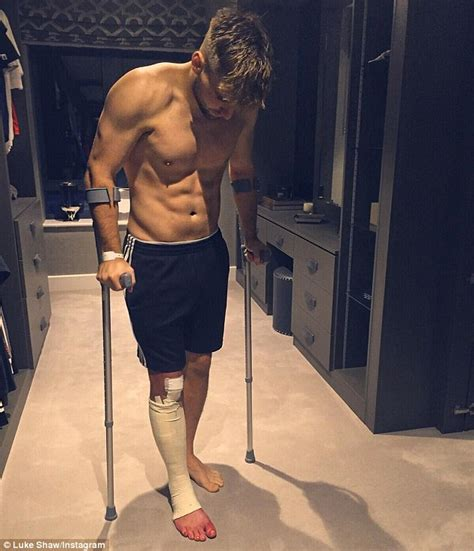 putting weight on a manchester united defender luke shaw posts picture of him putting weight on his leg as