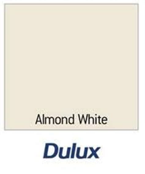 dulux once gloss almond white 750ml co uk diy tools