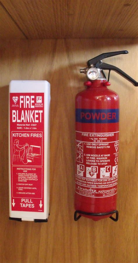 boat safety fire extinguishers guide to narrowboat fire extinguishers fire