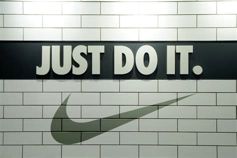 Setelan Nike Just Do It Limited 3 great adverts of the past 30 years innovation executive grapevine