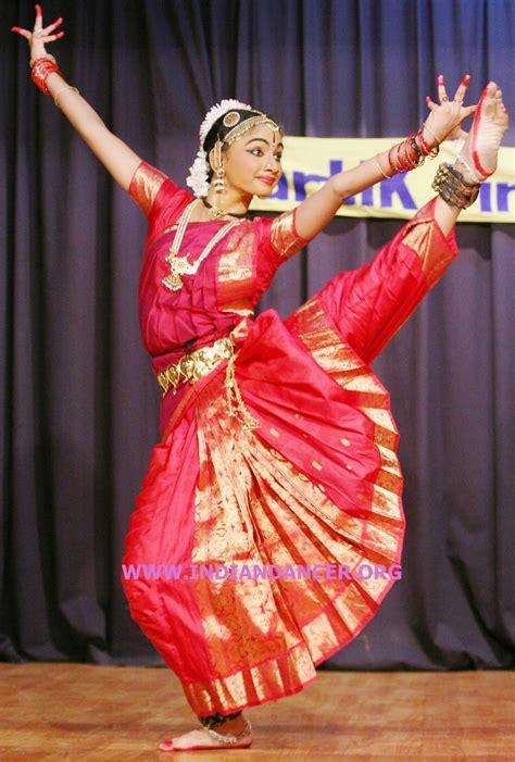 hindi dence indian dance