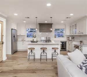 White Kitchen Cabinets Wood Floors by 17 Best Ideas About Light Hardwood Floors On