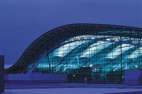 High Tech Architektur by Kansai International Airport Passenger Terminal Building