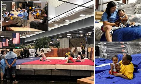 Mattress Store Houston by Houston Mattress Store Turns Into Makeshift Shelter