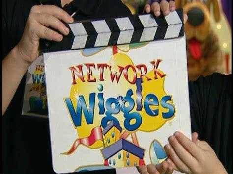 wiggles waves free form books lights wiggles tv series wigglepedia
