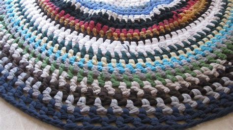 tshirt rug you to see t shirt rag rug by kari sue