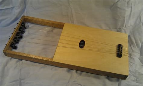 instruments 5 stringed lyre