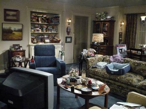 sitcom sets set decorators use decor to flesh out characters