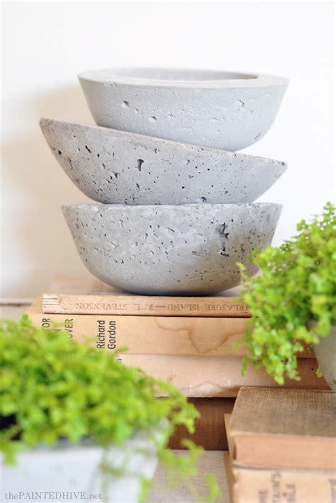 Make Your Own Concrete Planter by The Painted Hive Diy Concrete Vessel Planters