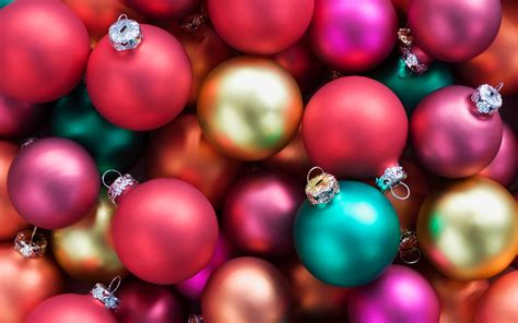 colorful christmas balls wallpaper 1920x1200 resolution