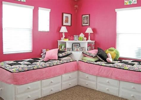 2 beds in 1 great idea for two beds in one room use a square table in