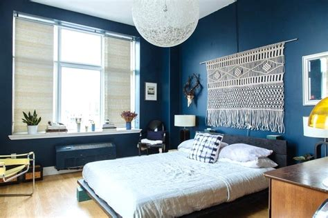 navy blue walls bedroom bedroom blue and white decorating