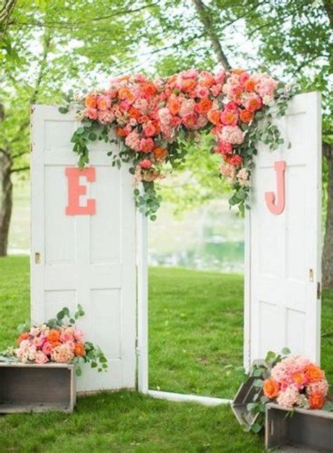 Wedding Backdrop With Doors by 35 Rustic Door Wedding Decor Ideas For Outdoor Country