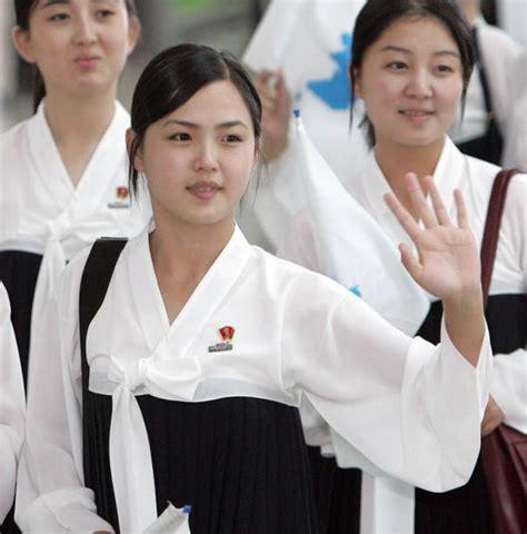 kim jong un wife bio kim jong un s wife who is ri sol ju north korea s first