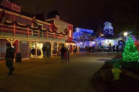 dollywood christmas lights smokymountains com