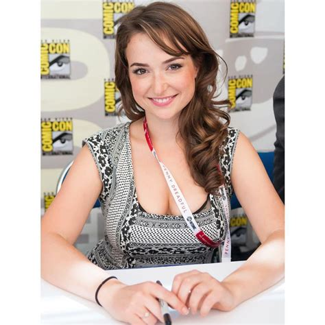 hot pictures of the att girl milana vayntrub 22 hottest photos of at t ad girl