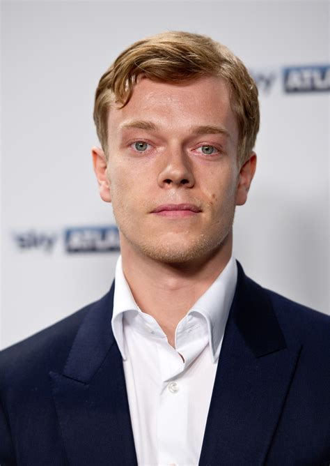 Allen Alfie by Odds Ends Got S Alfie Allen Set For Eisenberg S