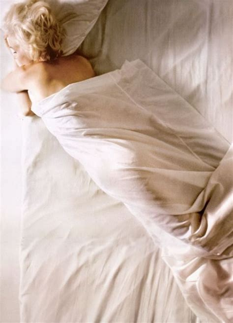 marilyn monroe bed 55 best images about mm by douglas kirkland on pinterest sleep look magazine and
