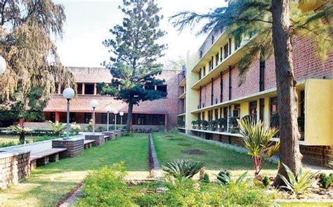 Mba At Miranda House Delhi by 17 Ad Hoc Professors Of Delhi College Sacked