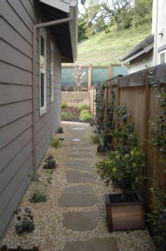 landscaping narrow side yard small backyard landscaping