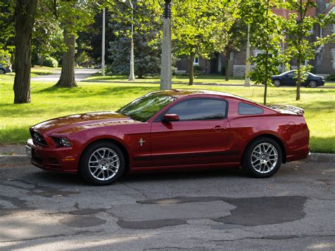 2014 mustang images 2014 ford mustang pictures cargurus