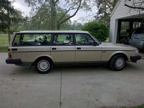 1992 volvo wagon 1992 volvo 240 wagon pictures to pin on pinsdaddy