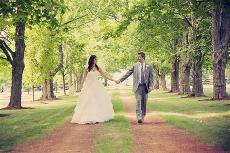 Wedding Ontario by A Country Chic Wedding In Bradford Ontario Weddingbells