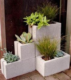 Trellis Planter Box Vertical Garden From Cinder Blocks Diy Projects For