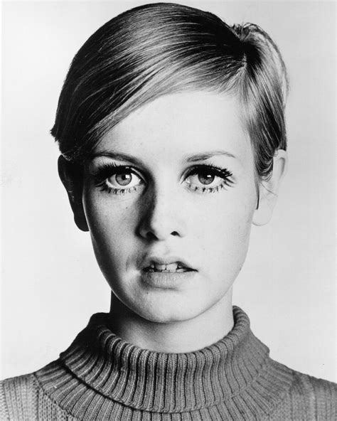 twiggy hairstyle iconic supermodel twiggy started out as a haircut test subject
