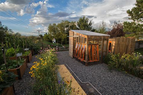 design house collective vancouver good design collective completes the 2611 green house and