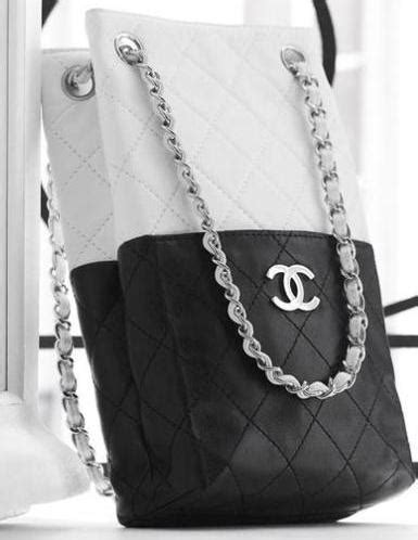 Snob Or Slob The Bag Snob by Natalie Imbruglia S Chanel Bag Snob Or Slob Snob