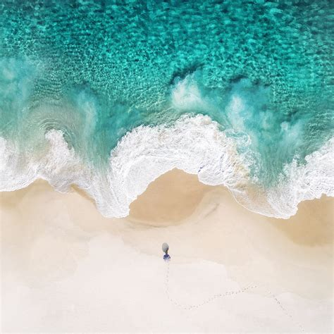 Rearth Ringke Wave Iphone 8 7 Ori Coastal Blue and install the ios 11 wallpaper for iphone and mac iphonetricks org