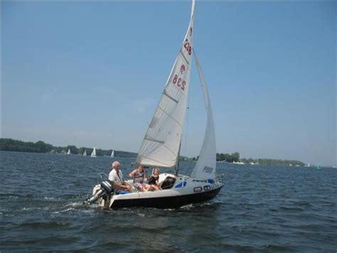 gratis kajuitzeilboot kajuitzeilboot te koop zeilboten boten verkoop plaats