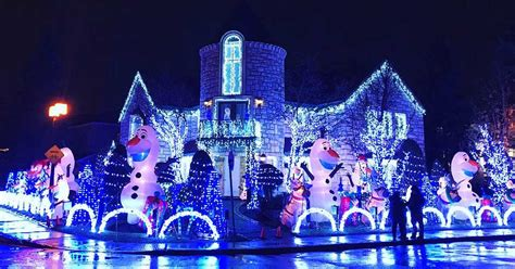 montreal man s insane 50 000 christmas house decorations