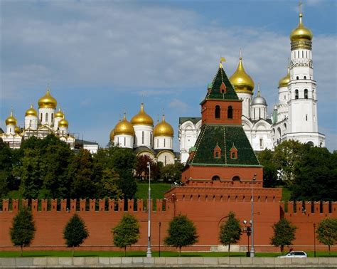 in russian 10 must see castles in russia heritagedaily heritage archaeology news