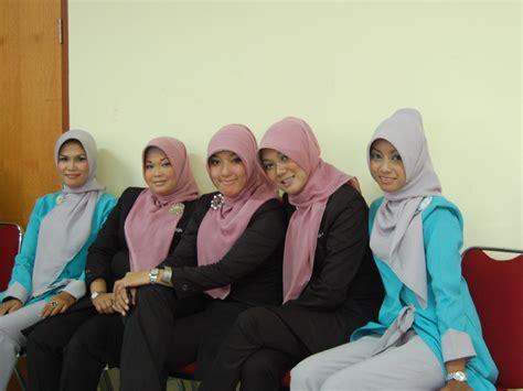 tutorial hijab by wardah hijabi pontianak tutorial hijab make up class with dian