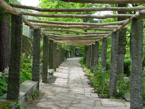 what is a pergola file g a p weg pergola jpg wikimedia commons