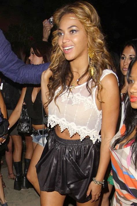 beyonce coachella beyonce at coachella shares flashback pictures from
