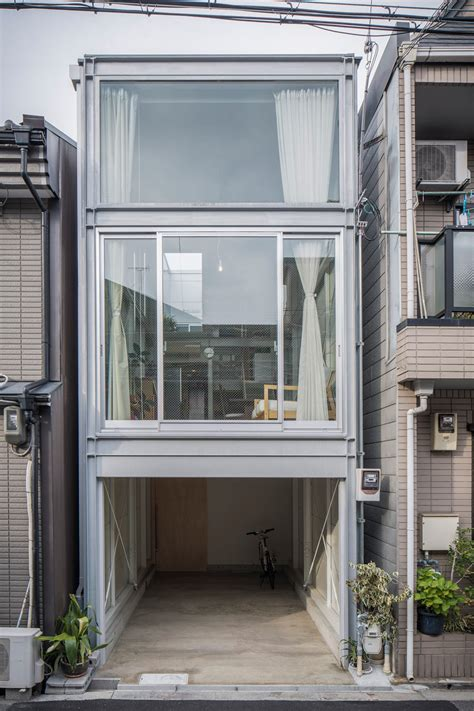 3 floor contemporary narrow home design a taste in heaven a narrow house built within heavily populated osaka