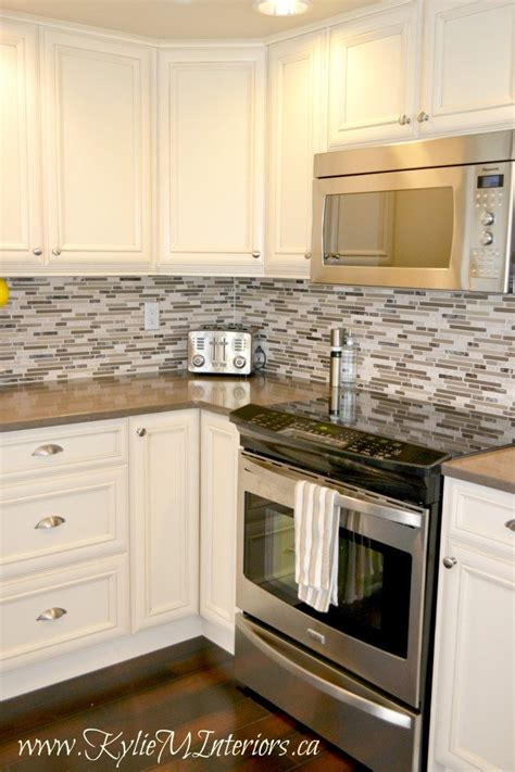 kitchen backsplash ideas with cream cabinets kitchen remodel cream glazed cabinets with mosaic tile
