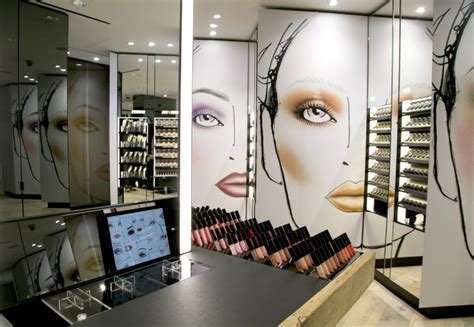 Make Up Yopie Salon mac cosmetics to open its makeup studio the new york times